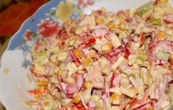Салат кукуруза ветчина огурец перец