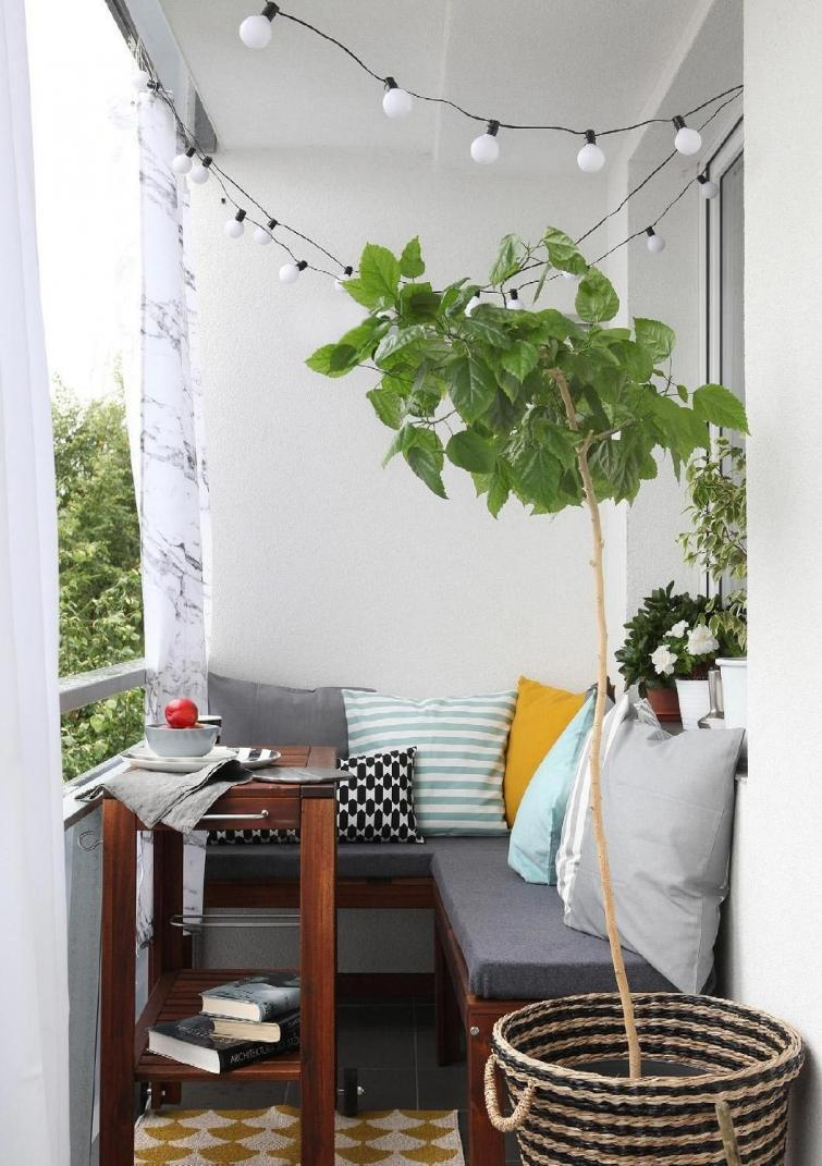 100+ apartment balcony plant ideas apartment balcony garden .
